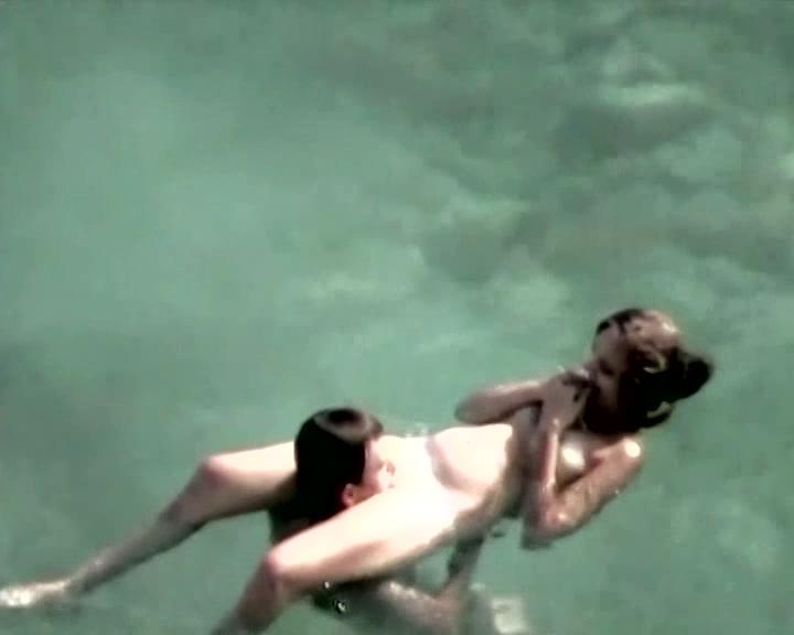 Парочка Трахается В Воде Порно Видео
